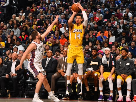 Lakers' Defense Makes Difference in 3-Point Shootout