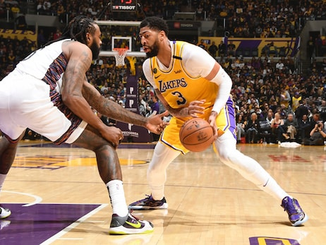 Lakers Fall To Nets Despite Late Comeback Attempt