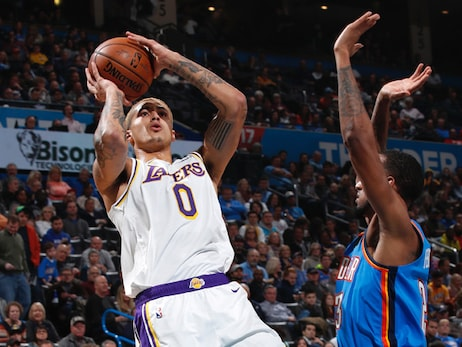 Kuzma, Rondo lead short-handed Lakers to 8th straight win