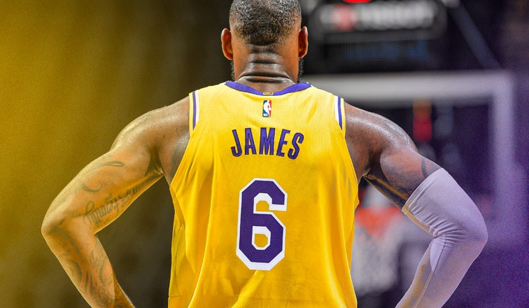 King Dons Six | Los Angeles Lakers