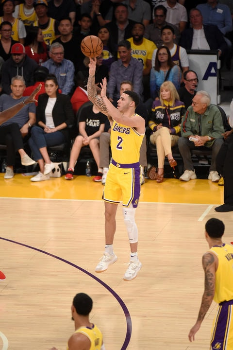 LOS ANGELES, CA - OCTOBER 20: Lonzo Ball #2 of the Los Angeles Lakers shoots a three point basket against the Houston Rockets on October 20, 2018 at STAPLES Center in Los Angeles, California. (Adam Pantozzi/NBAE via Getty Images)