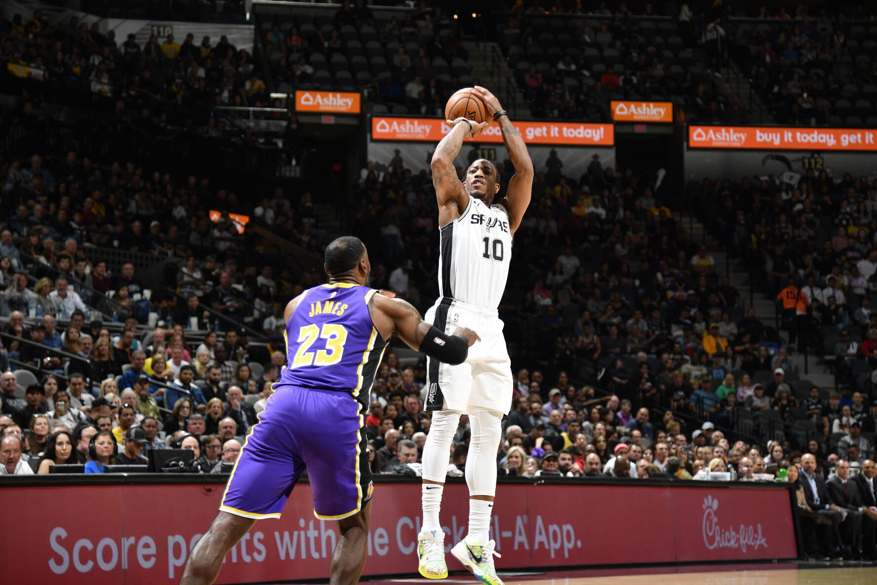 Photos Lakers Vs Spurs 11 03 19 Los Angeles Lakers
