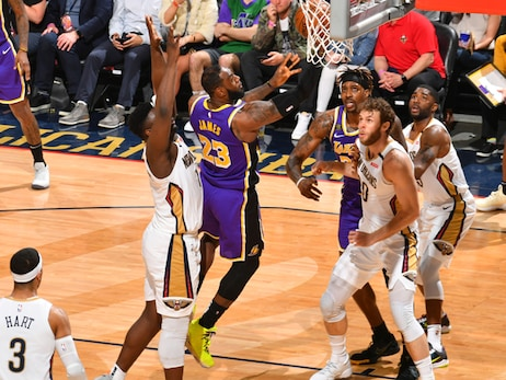 James, McGee Lead Lakers as They Sweep the Pelicans