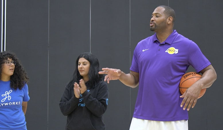 29657a09677 Robert Horry and Lakers Tip off Junior Lakers Season with Coaches Clinic