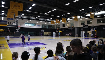 Local Students Watch South Bay Open Practice