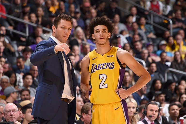 Ball returns to starting lineup as Lakers rout Heat