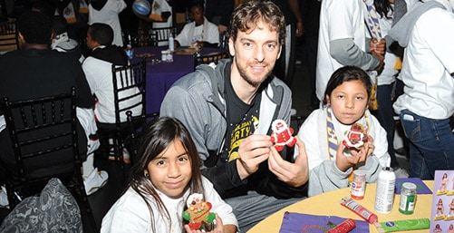 Lakers Holiday Party for Kids 2012