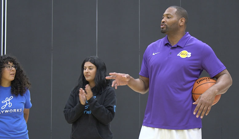 Robert Horry and Lakers Tip off Junior Lakers Season with Coaches Clinic