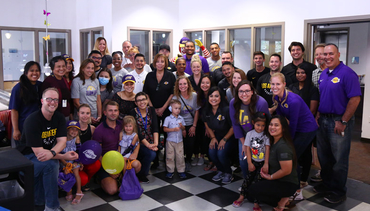 Lakers Team Up at Ronald McDonald House