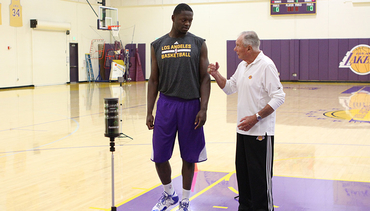 Lakers Work Out Freshman Randle