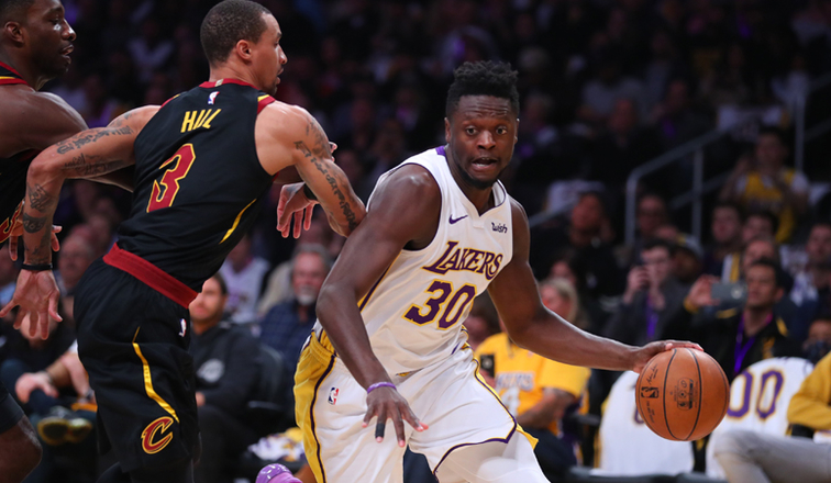 Lakers Stomp Cavs Behind Randle's 36 Points