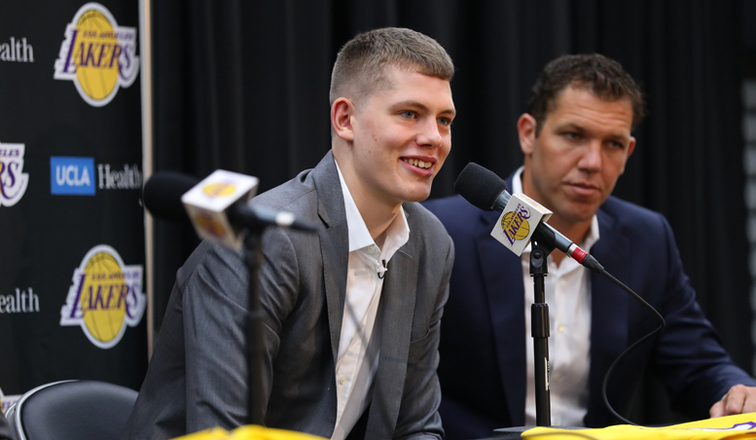 Moe Wagner Brings Unique Style On and Off the Court  1289133c6