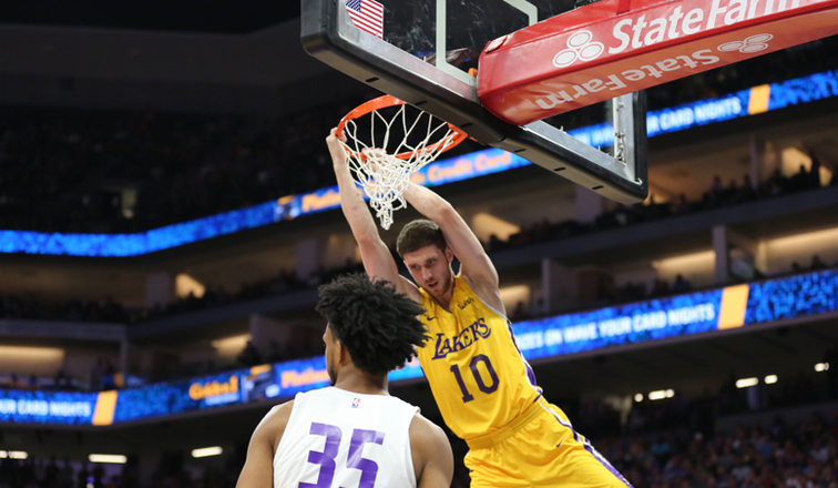 596907dd4b4f 3 Things to Know  Lakers vs. Heat (California Classic)