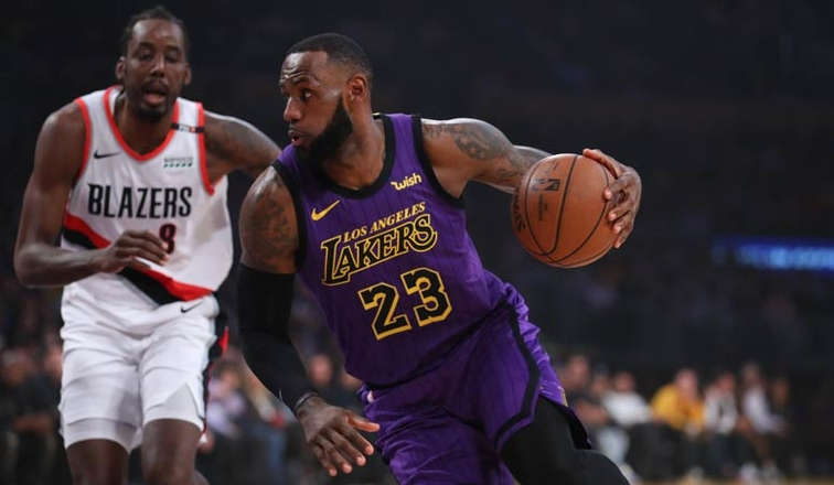 Lebron Drops 44 Climbs All Time Scoring List In Lakers 4th