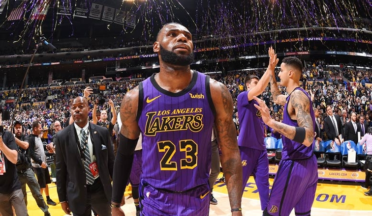 aed883f1538 Lakers Teammates Congratulate LeBron on Joining Top 5 Scorers of All-Time
