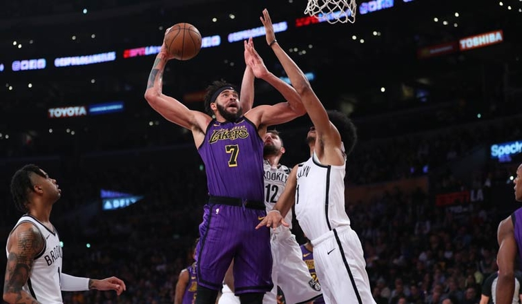 69ee0e4ae122 JaVale Pours in 30 Points