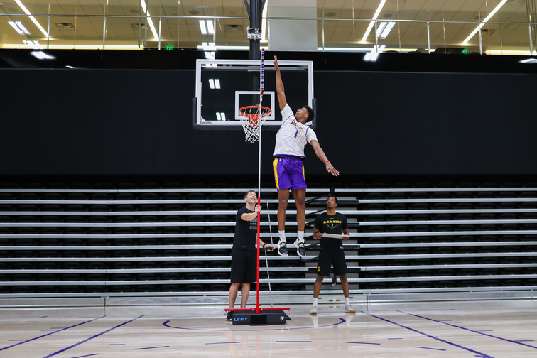 Jarrett Culver showing off his game for the Lakers at a pre-draft workout