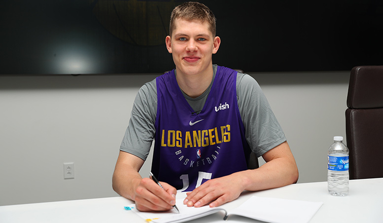 26fc7ad93 Lakers Sign Moritz Wagner