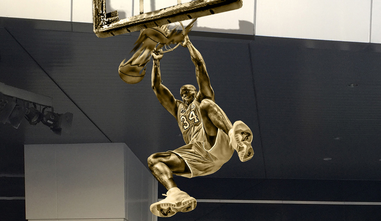 Lakers Build Statue Of Shaquille O'Neal In Front Of ... |Shaquille Oneal Statue