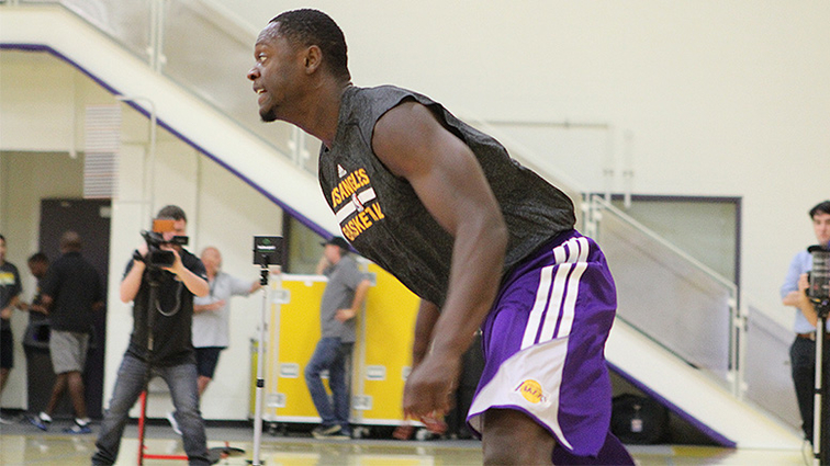 http://i.cdn.turner.com/drp/nba/lakers/sites/default/files/styles/story_main_photo/public/ts_140617randle.jpg?itok=qfpasuy7