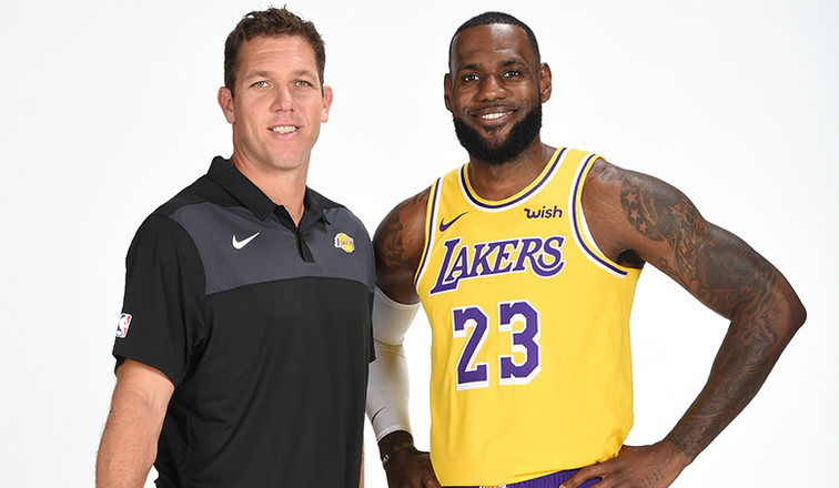Walton: Lakers to bring Lonzo Ball off the bench