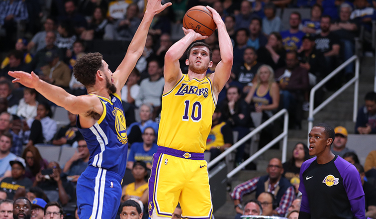 Lakers Finish Preseason With W over Warriors