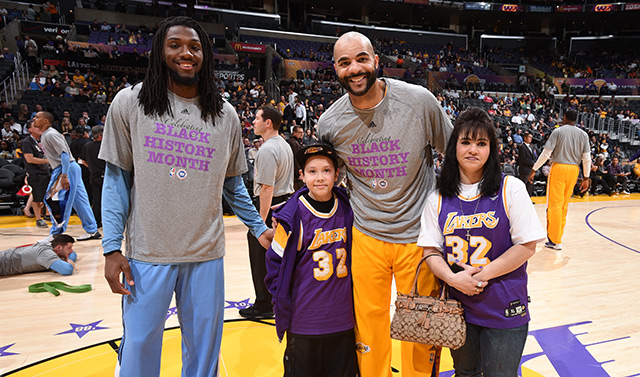 outlet store 8d2ce 3af46 Lakers Community Make-A-Wish   Los Angeles Lakers
