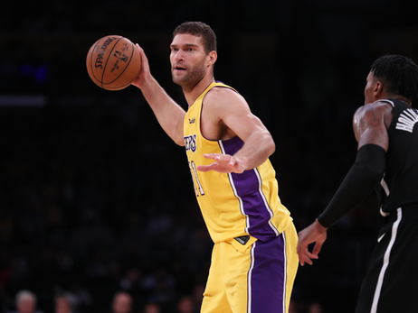 Lopez Lights Up Former Team in Win Over Nets