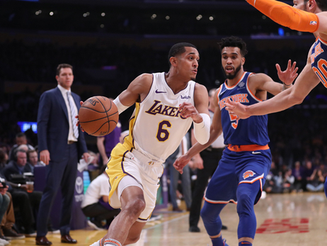 Clarkson, Randle Push Lakers to 20-Point Win Over Knicks