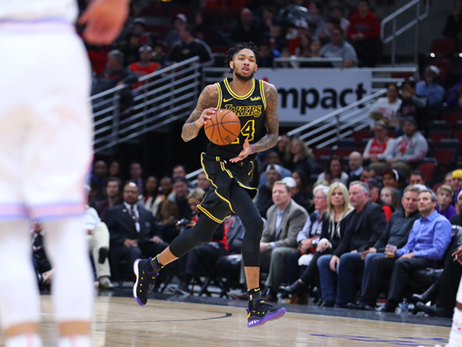 Ingram's Big Finish Powers Lakers' Fourth Straight Win