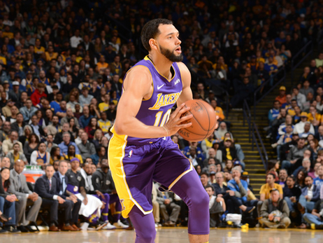 Lakers cortan al base Tyler Ennis
