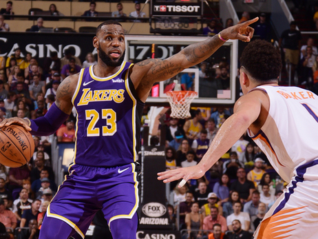 Lakers Dominate Suns Behind James, Stephenson and McGee