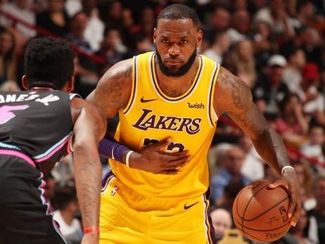 LeBron Dominates in 51-Point Return to Miami