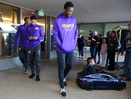 Lakers Visit UCLA Mattel Children's Hospital