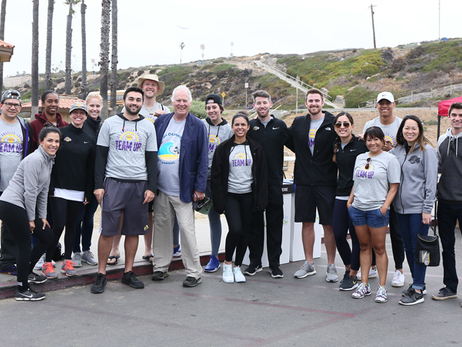 Lakers Team Up for Beach Clean Up