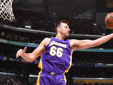 Lakers Waive Andrew Bogut