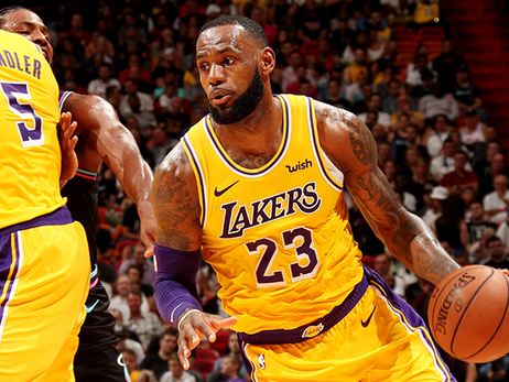 LeBron James fue el rey de South Beach en triunfo de Lakers