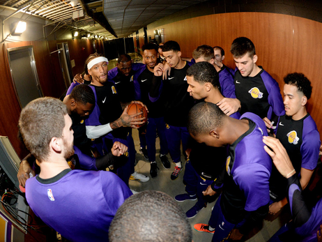 Photos: Lakers vs. Nuggets (10/2/18)