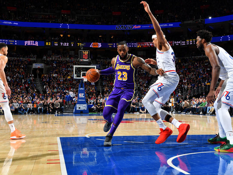 Photos: Lakers at 76ers (02/10/19)