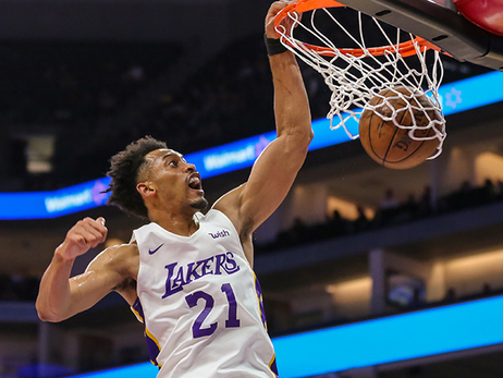 Lakers firman a Johnathan Williams