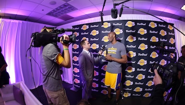 Kobe Thanks Fans in Pregame Interview