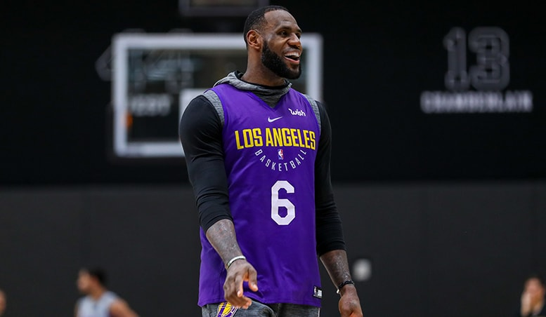 LeBron Hits Insane 3-Pointer in Team Scrimmage | Los Angeles Lakers