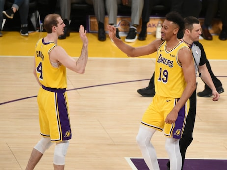 Lakers Extend Qualifying Offers to Alex Caruso and Johnathan Williams