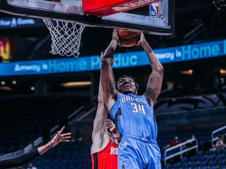 Photos of the Night: Magic vs. Rockets (4/18)