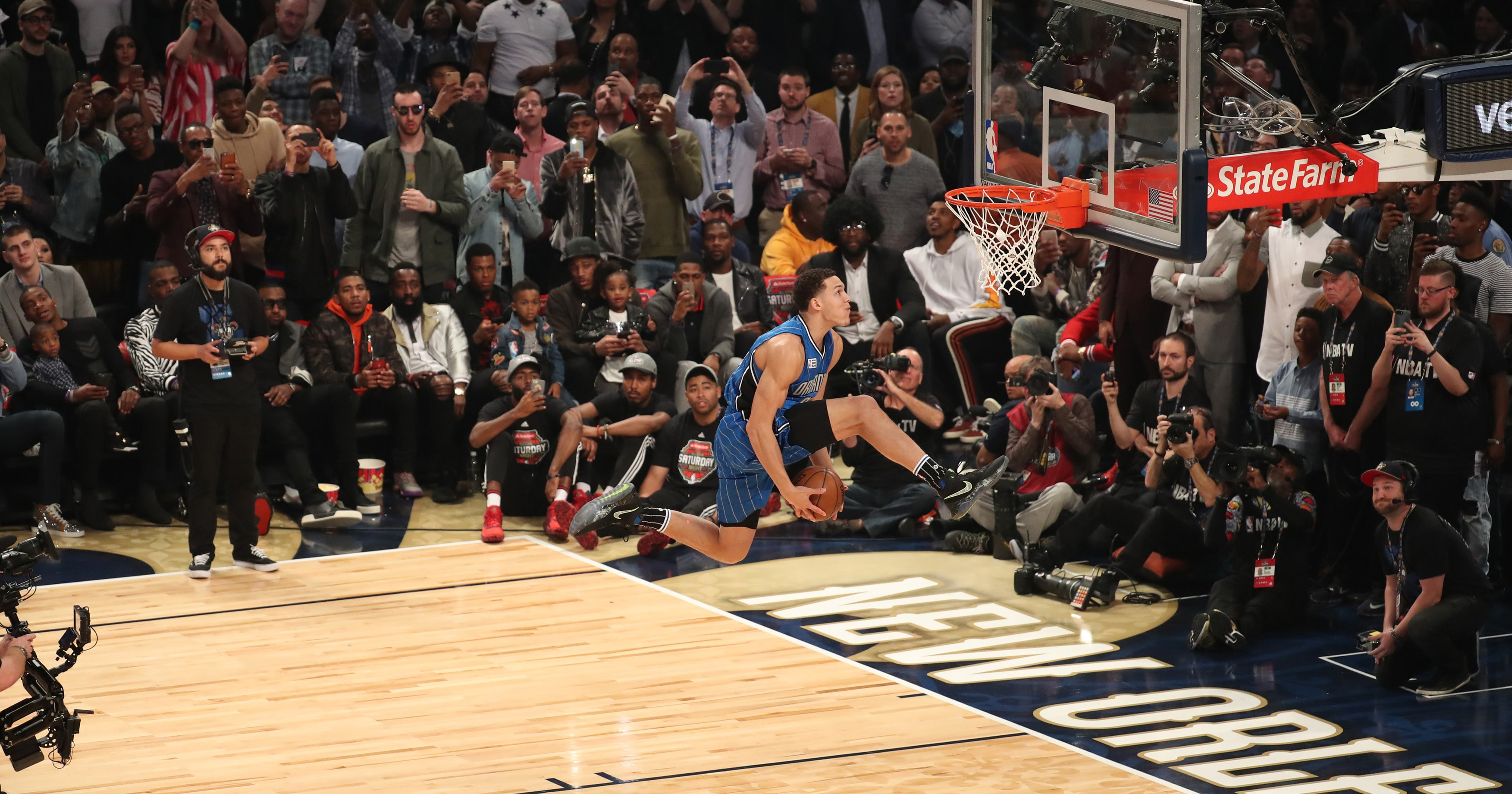 Aaron Gordon's Creativity Not Enough in 2017 Dunk Contest