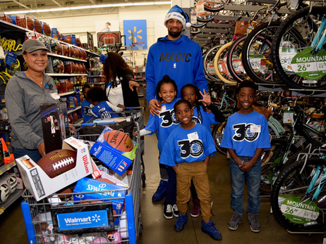 Gordon, Simmons and Birch Team Up with Pepsi for a Holiday Shopping Spree with Local Youth
