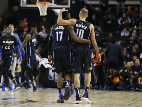 Magic Go Undefeated in Mexico City, Top Jazz
