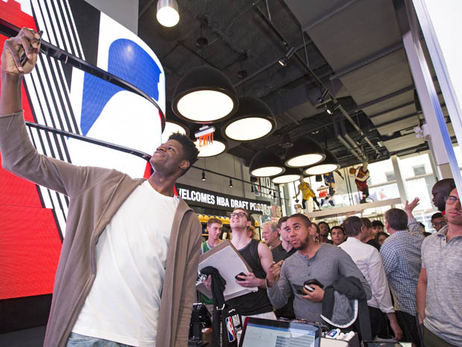 Photos: Mo Bamba Visits NBA Store in NYC