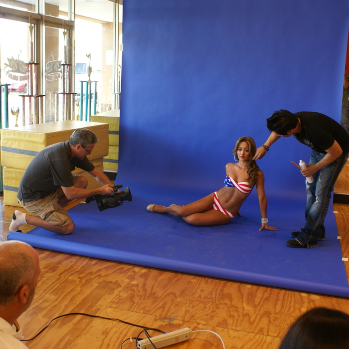 Swimwear Photo Shoot Behind the Scenes: Gizelle