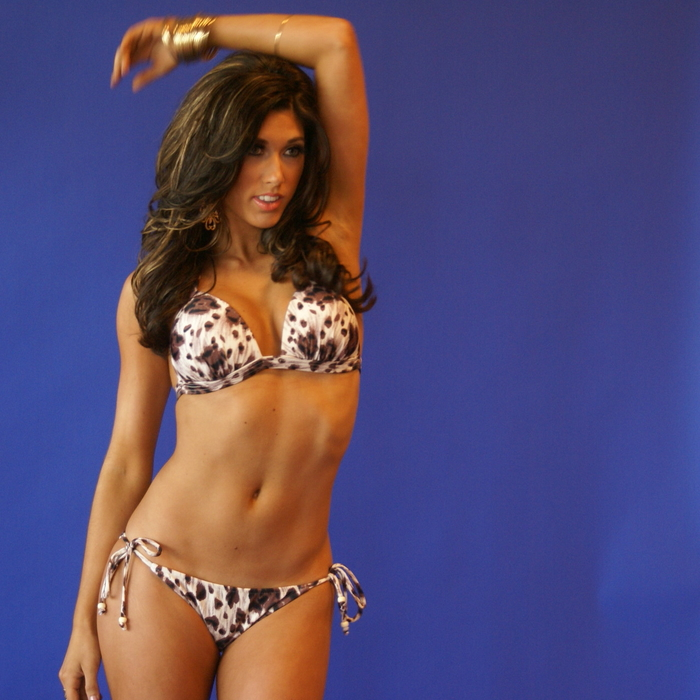 Swimwear Photo Shoot Behind the Scenes: Jessica